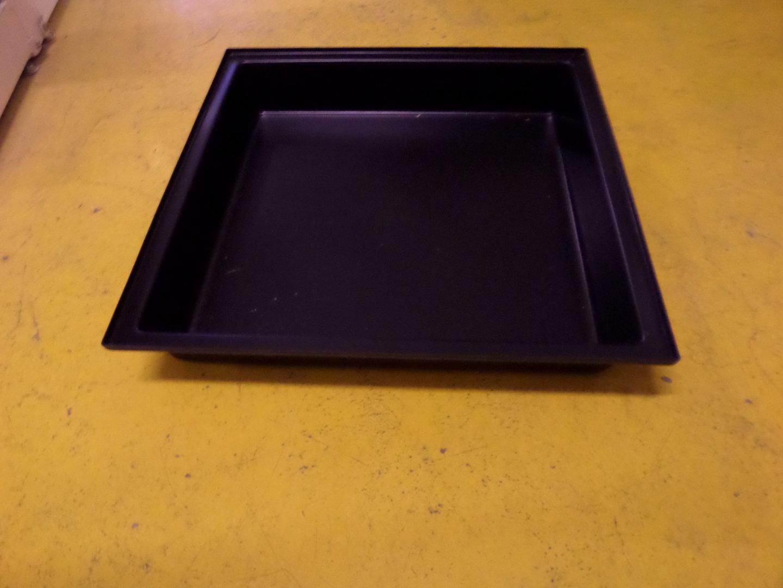bac plastique lapin 80 cm x 80 cm la lapini re. Black Bedroom Furniture Sets. Home Design Ideas