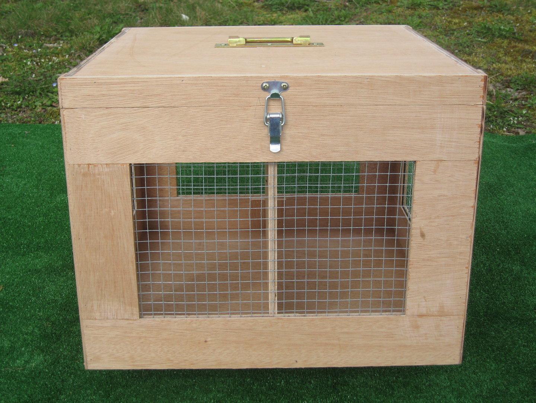 petite caisse bois 2 compartiments amovible transport lapin. Black Bedroom Furniture Sets. Home Design Ideas